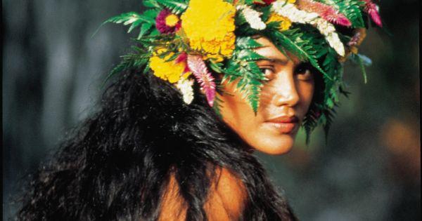 Tahitian Vahine | HEAD PIECES | Pinterest | Tahiti ...