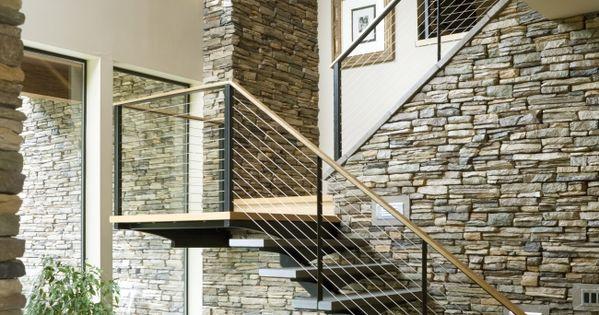 moderne treppe natursteinwand holz gel nder brunnen innen treppe pinterest interiors and. Black Bedroom Furniture Sets. Home Design Ideas