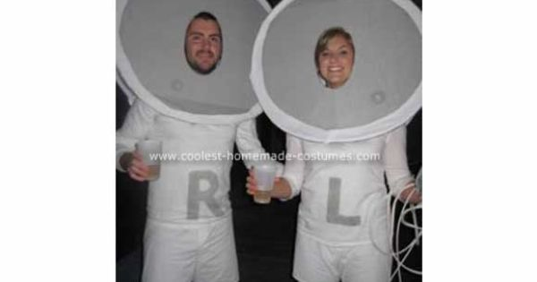Ear buds - Funny Couples Costumes | 11 funny couples costumes! (some
