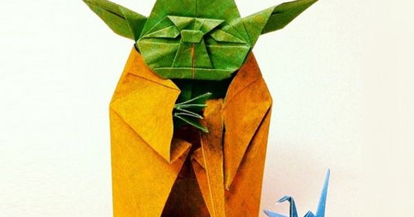 adorable and amazing origami Yoda (StarWars paper art)
