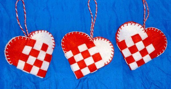Woven Heart Basket Craft : Scandinavian woven heart baskets hearts