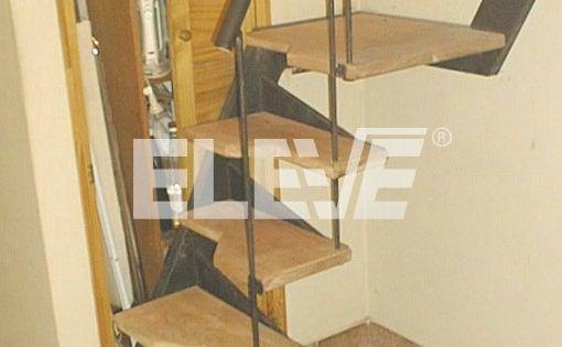 Escalera para espacios reducidos pelda os en voladizo - Escalera caracol prefabricada ...