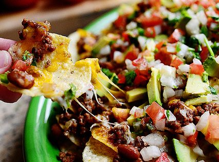 The Pioneer Woman Recipe for LOADED NACHOS