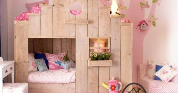 Very Cute Bunk Beds This Would Be A Great Idea For A