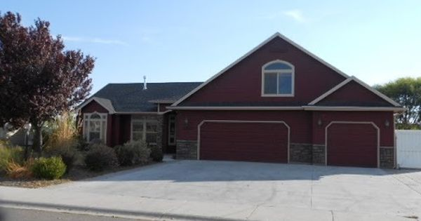 Foreclosed Home For Sale In Nampa Idaho 3 Beds 3 Baths Listing Id 36558353 H With Images Foreclosed Homes For Sale Foreclosed Homes Foreclosure Listings