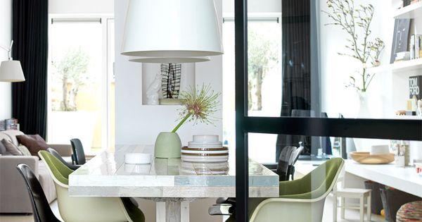 ik houd van dit soort glazen deuren witte lampen mooie stoelen kitchen dining room. Black Bedroom Furniture Sets. Home Design Ideas