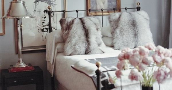 classic interior design, fur pillow and bed room decor ideas
