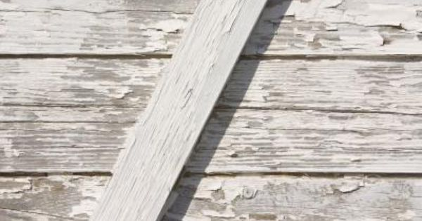 How To Remove Old Paint From Refinish And Restore Wood Clapboard Siding Ehow Wood Siding Exterior Restore Wood Clapboard Siding