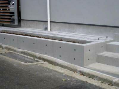 ブロック塀もコンクリートに大変身 コンクリート若返り工法の魅力