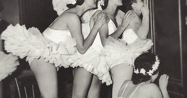 Tiny dancers.