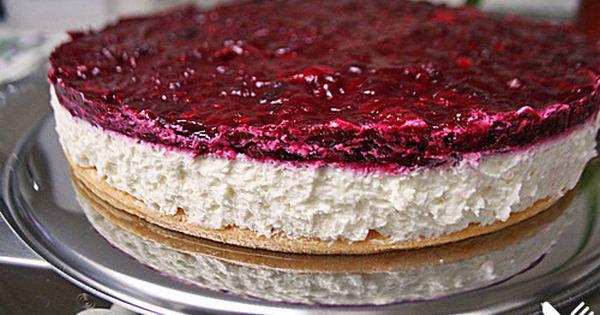 Fantakuchen mit Roter Grütze, ein schmackhaftes Rezept aus der Kategorie Kuchen. Bewertungen: