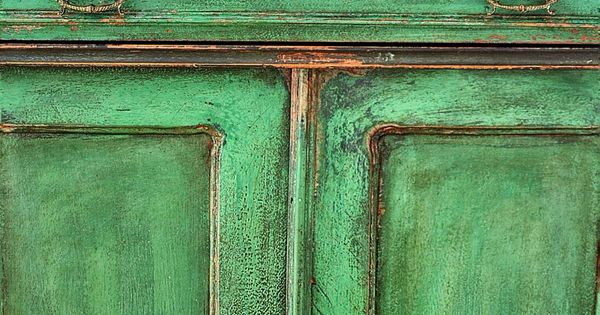 Chippy look green chiffonier chalk paint mix patina - How to mix emerald green paint ...