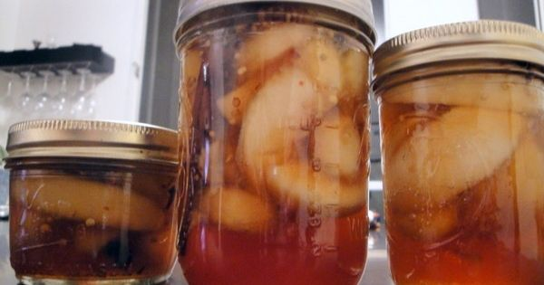Bourbon Pickled Peaches I May Make These As Christmas