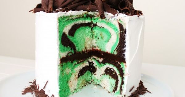 St. Patrick's Day Mint Chocolate Cake... I want this for my next