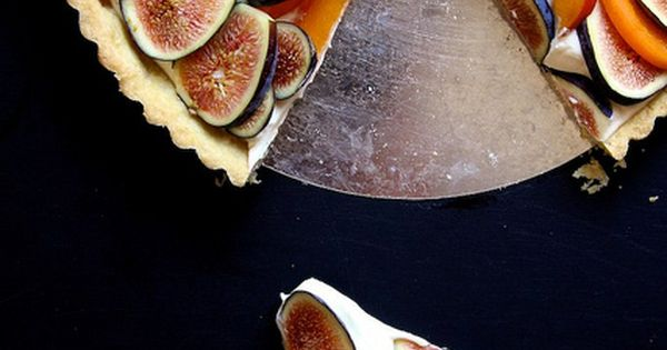 bourbon tart with mascarpone cream apricot almond tart tart e abricots ...
