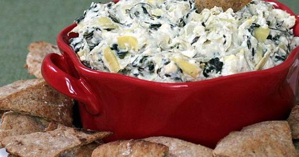 Healthy Spinach Artichoke Dip -- An easy, low calorie makeover in the