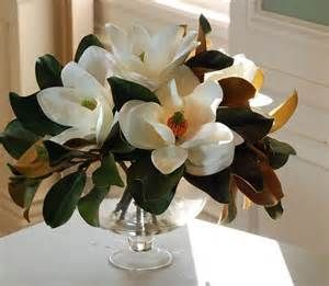 Magnolia Table Centerpiece Bing Images Magnolia Flower Flower Arrangements Magnolia Centerpiece