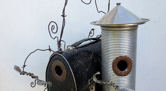 Cute bird houses made from a vintage lunch box and thermos. The