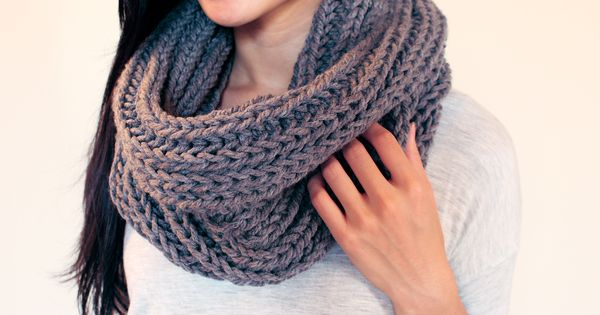 chunky knit infinity scarf free pattern easy ...