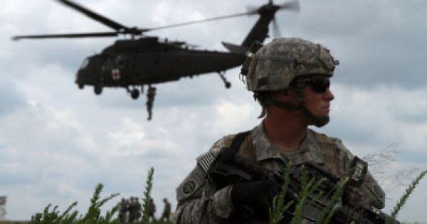 Small Surgery Team Revolutionizes Combat Medicine Army Medic Military Photos Photo