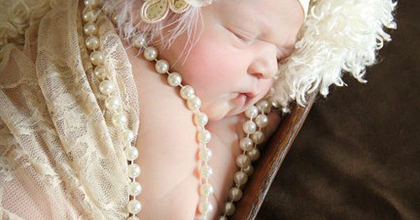 Newborn photography cute pearls baby photo