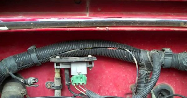 Jeep       Wrangler    YJ  How to test the MAP sensor Located on