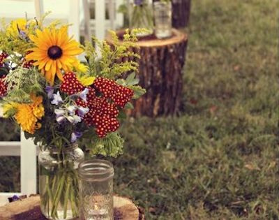 Rustic Country Wedding Aisle Decoration. Awesome Decoration Idea! Wood Stumps and Flower