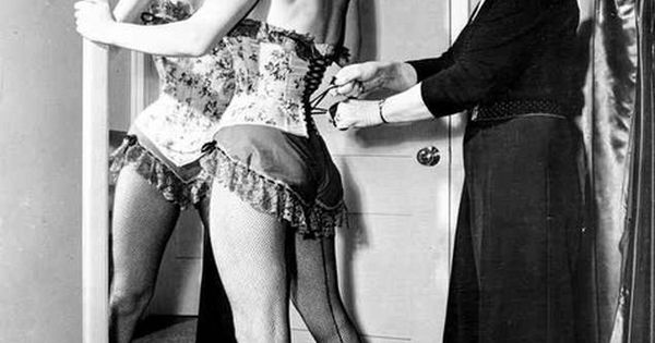 05f09174bc5 November 7, 2016 at 09:11AM – New Pin : Marilyn Monroe in Corset ...
