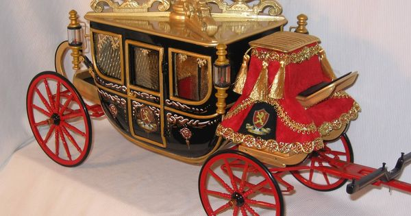 Royal Carriages And Elegant Coaches For Model Horses
