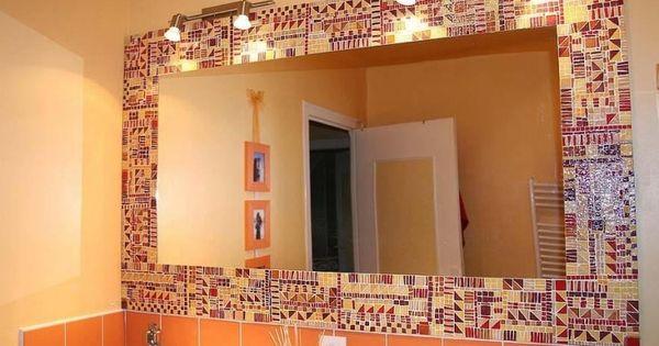 salle de bain mosaique jaune et rouge miroir rectangulaire carrelage mural orange et clairage. Black Bedroom Furniture Sets. Home Design Ideas
