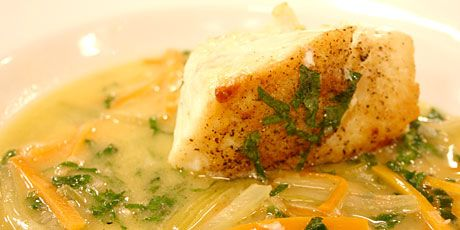 Spiced Halibut On Grapefruit Fennel Slaw Recipe — Dishmaps
