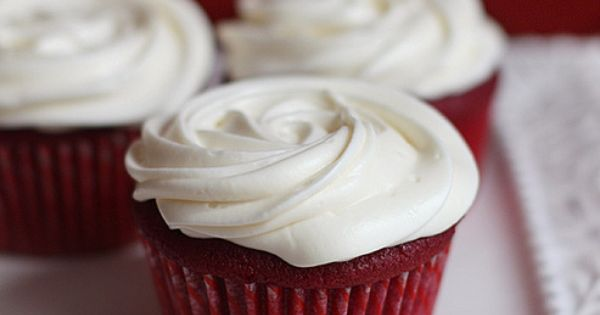 Uses roasted beets. all natural red velvet cupcakes by sophistimom yay! no