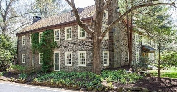 555a Rich Hill Road Sellersville Pa 18960 Old Farm Houses Old Houses For Sale Stone Houses