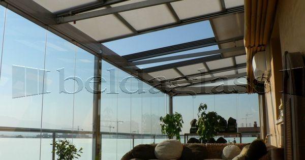 Atico creado con techo movil de policarbonato y - Cristales para techos ...