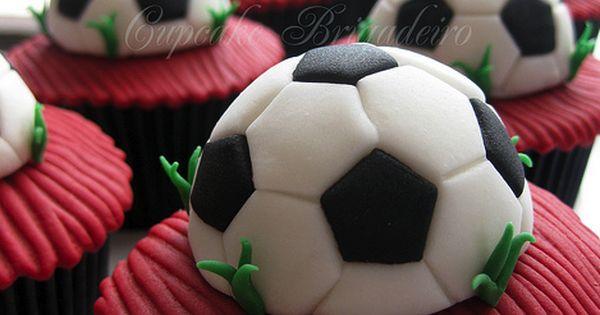 Soccer / Football cupcakes! | Party Cupcake Ideas ...