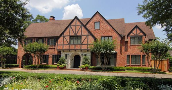 Street View Of Former River Oaks Residence Of W Howard Lee And Gene Tierney Hollywood Homes Oaks Home