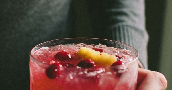 Cranberry Ginger Whiskey Smash (and Homemade Ginger Liqueur) {GIVEAWAY ...