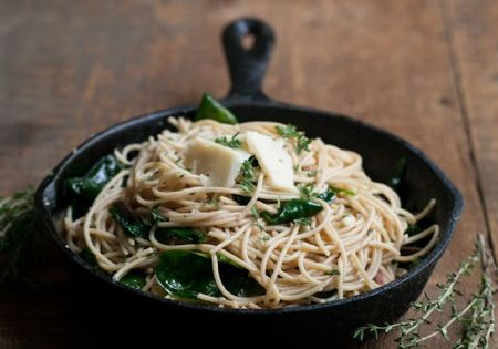 Pasta with spinach, Garlic butter pasta and Butter pasta on Pinterest