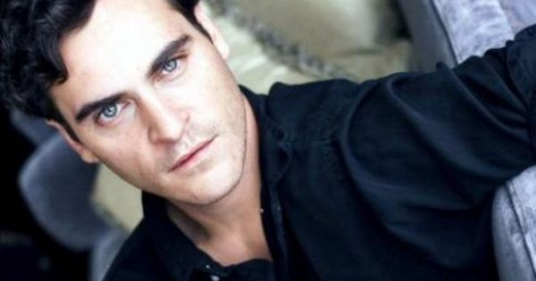 Joaquin scar a why lip does his have on phoenix 25 Celebrities