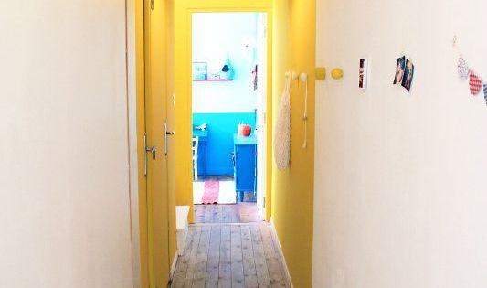 pour gayer un long couloir trop sombre cr er une boite de couleur qui coupe une porte en. Black Bedroom Furniture Sets. Home Design Ideas