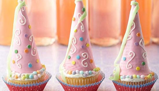 These Princess Cupcakes make adorable birthday party treats! Get the recipe here: