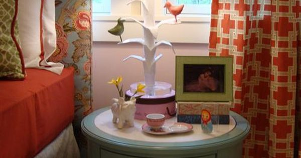 DIY monogram lampshade! Fantastic Idea...i love the colors of this room for