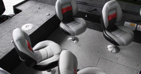 Tracker Targa V 18 Wt There Are Four Pedestal Seats The