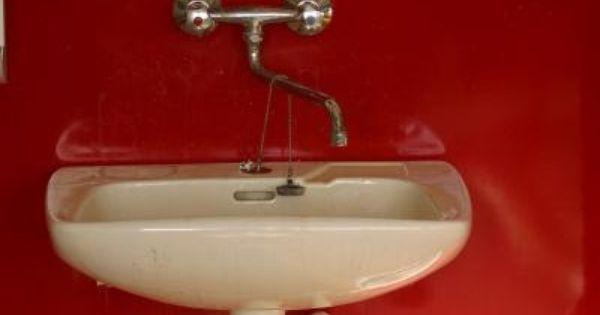 How To Repair The Surface Of An Enamel Sink Ehow Porcelain Sink Sink Bathroom Sink Tops