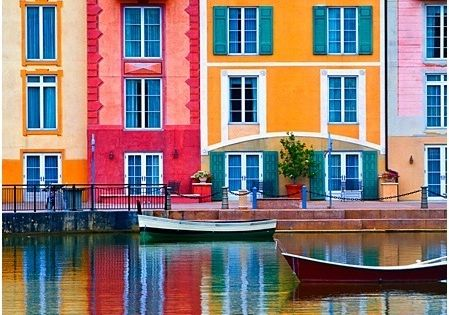 Colorful Venice, Italy { I would love to paint this someday }
