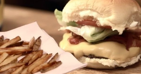 Wendy S Jr Bacon Cheeseburger And Frosty Homemade Brothers Green Youtube Healthy Recipes On A Budget Bacon Cheeseburger Budget Friendly Recipes