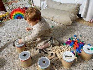 Actividades Para El Primer Ciclo De Educación Infantil Montessori 0 3 Años Juegos Sensoriales Para Niños Actividades Para Niños Actividades Montessori