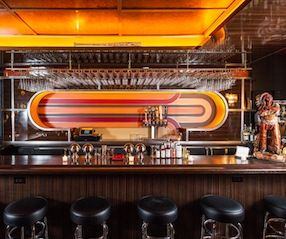 70 S Vintage Motif Done Well Cool Bars Cocktail Bar Best Bars In Nyc