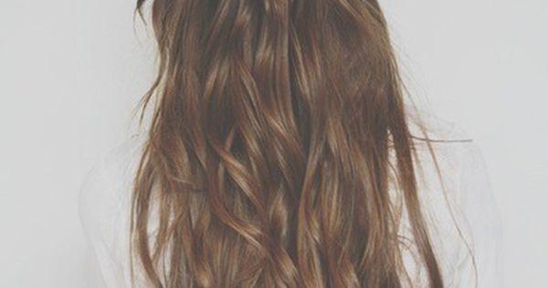 tumblr - hairstyle - long hair - wavy hair - braid