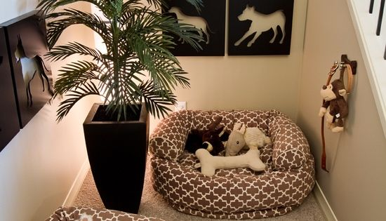 Dog nook... cute idea.